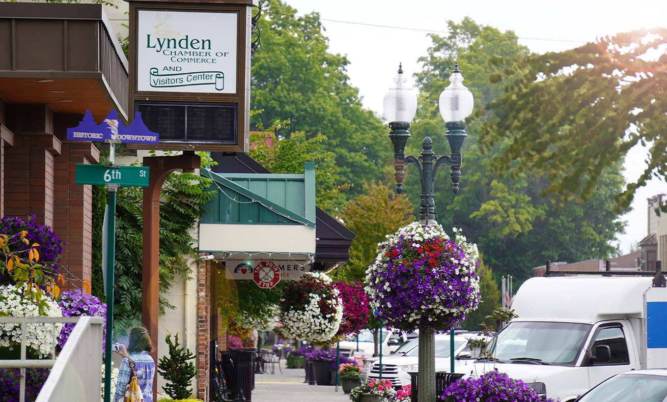 A photo of downtown Lynden, with the Chamber of Commerce sign visible.